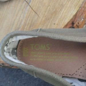 Toms Shoes - Toms slip ons